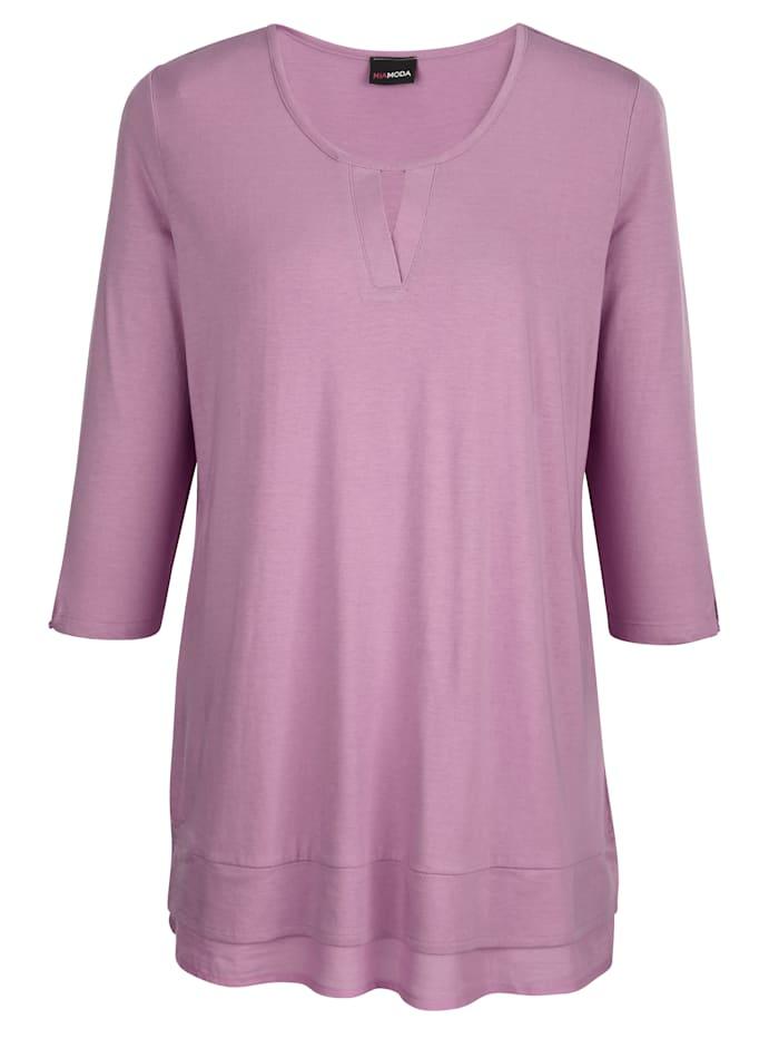 Shirt met kleine uitsparing bij de hals