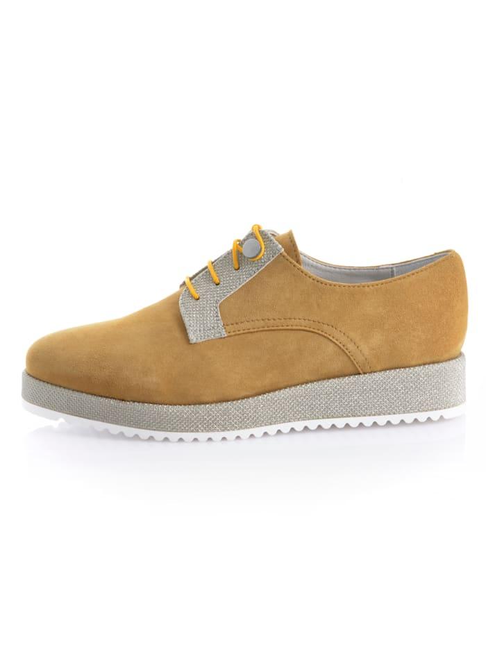 Šněrovací obuv s moderní platformou