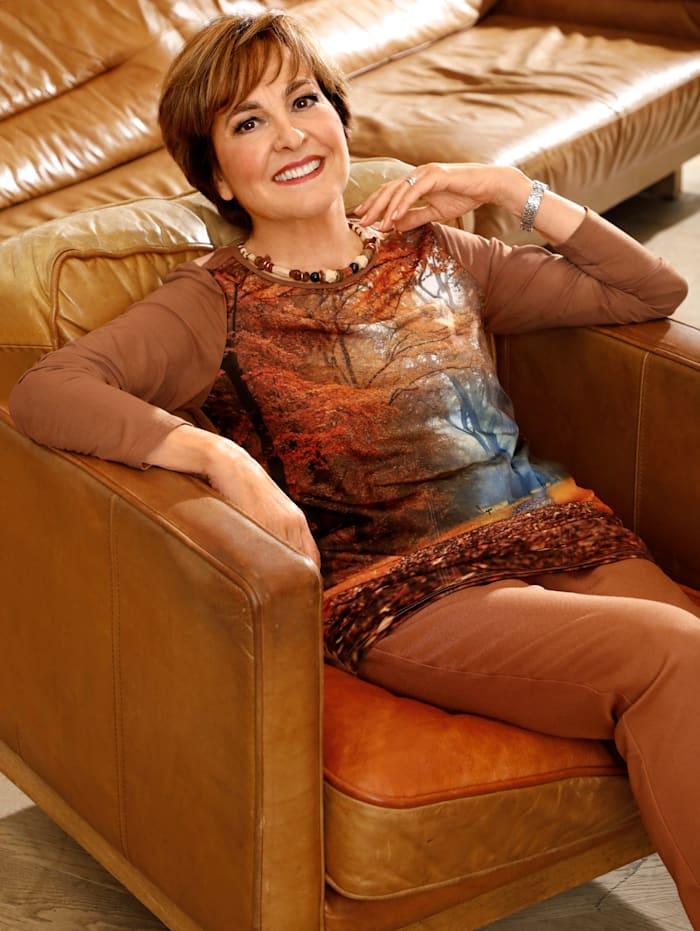 Paola Shirt mit herbstlichen Druck vorne, Haselnuss