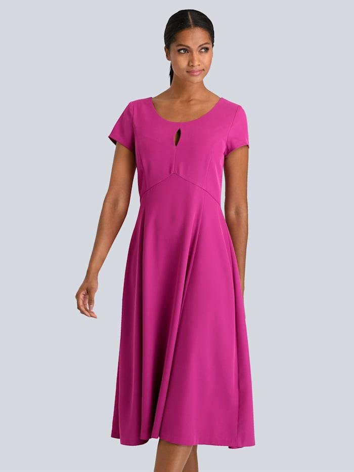 Alba Moda Kleid mit kleinem Schlitz am Ausschnit, Lila