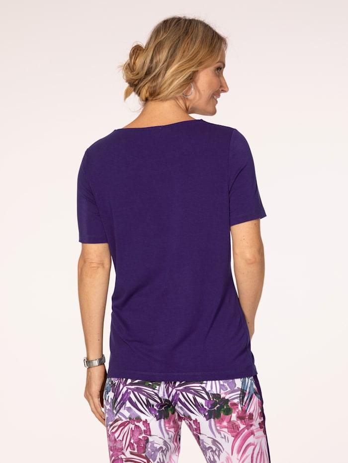 Shirt mit attraktivem Ausschnitt