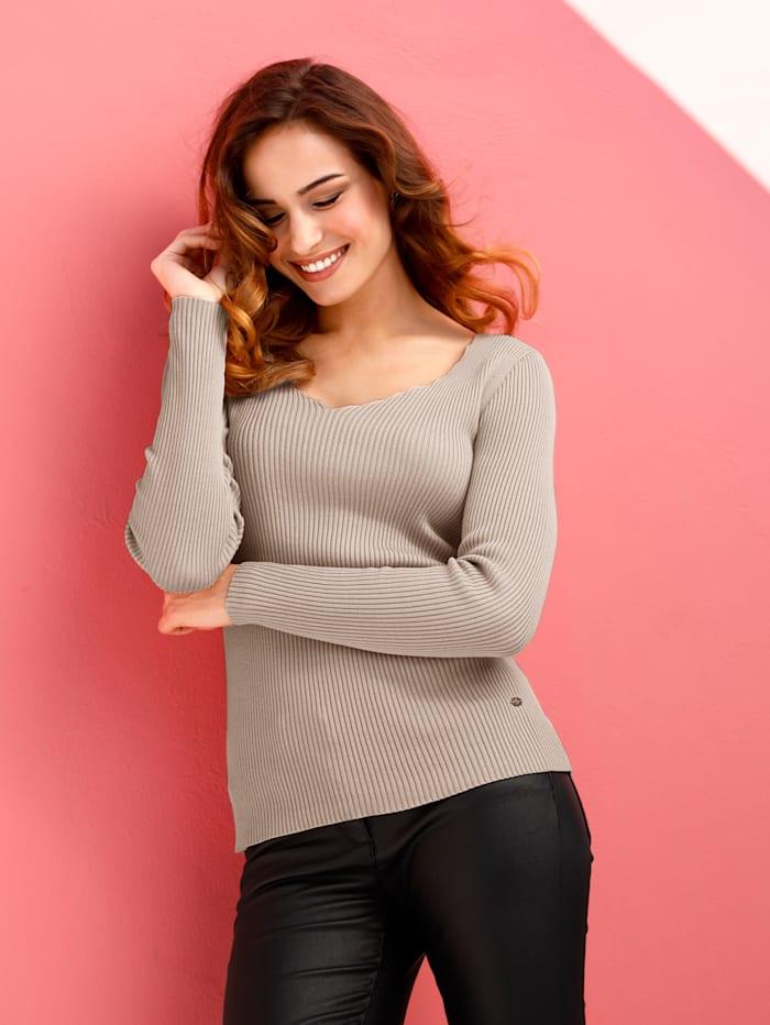 Pullover mit Kanten am Ausschnitt