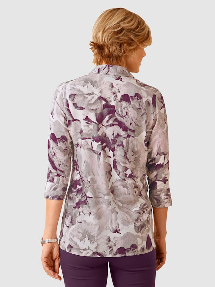 Blouse Three-quarter length sleeves