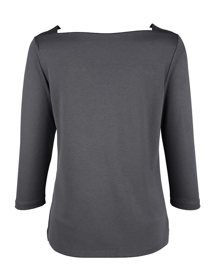 Shirt mit schöner Ausschnittvariante