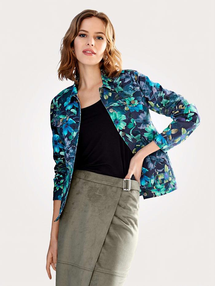 Jeansjacke mit einem leuchtenden Blumenmuster