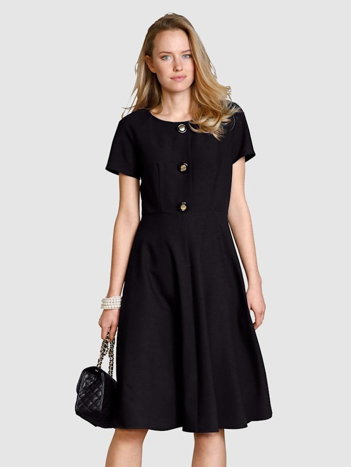 Kleid in bewährter Ganzjahres-Qualität