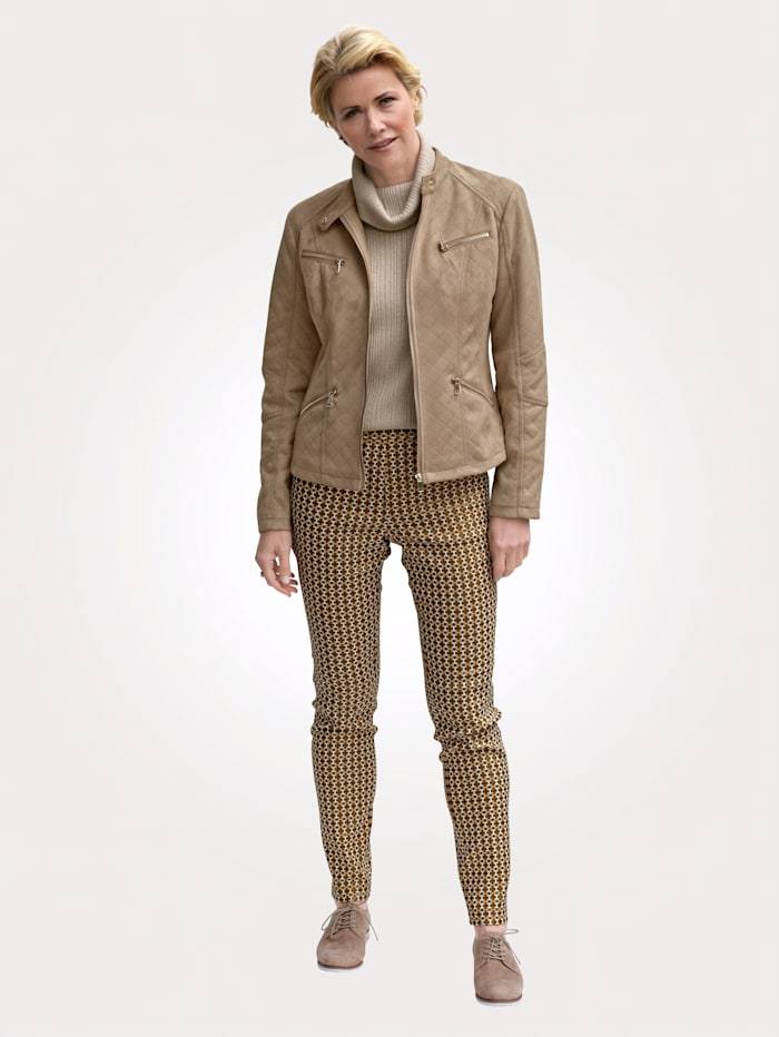 Nohavice z ušľachtilej žakárovej džersej kvality