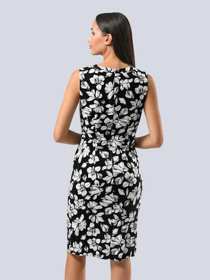 Kleid im floralen Dessin allover