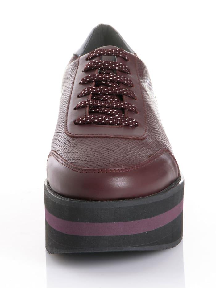 Sneaker mit trendiger Plateausohle