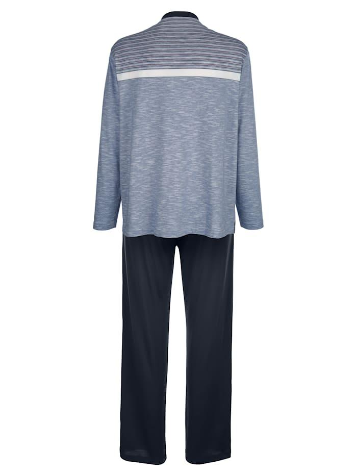 Pyjamas i klimatutjämnande material