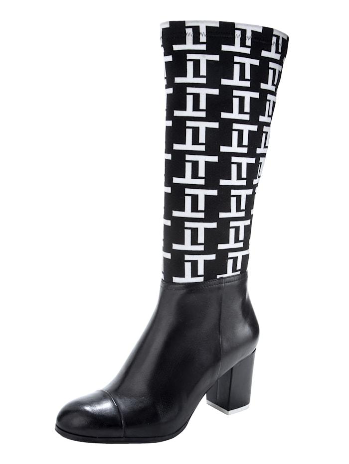 Stiefel mit elastischem Textilmaterial im Schaftbereich