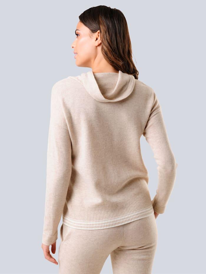 Pullover mit großzügigem locker fallendem Stehkragen