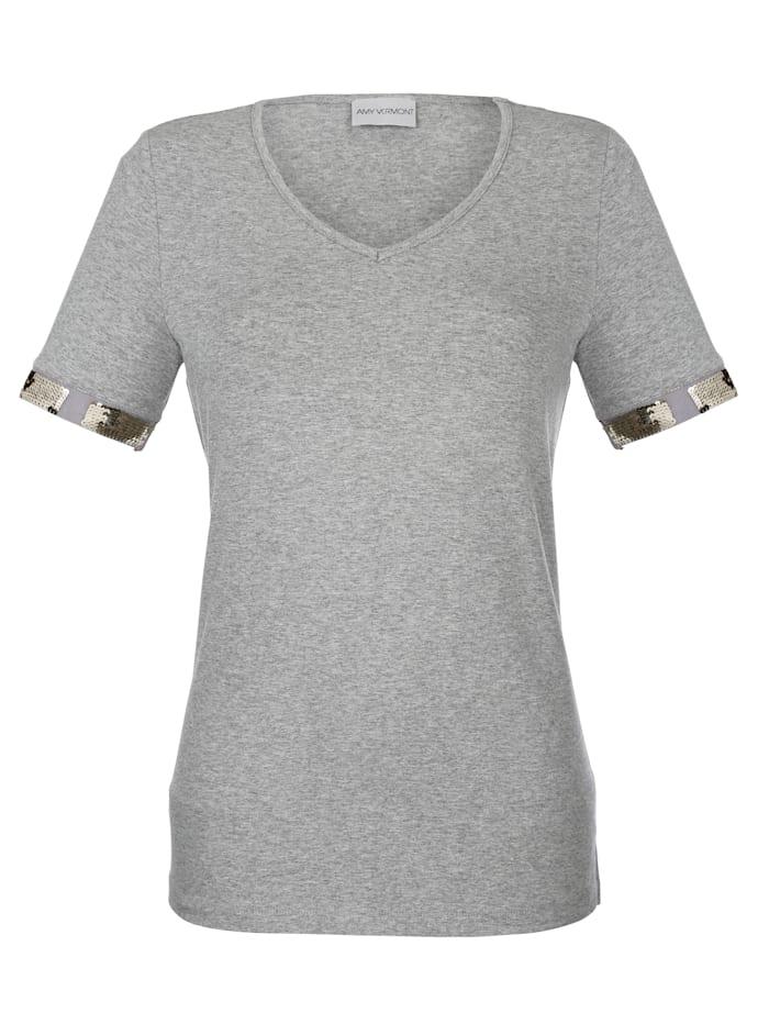 Shirt mit Pailletten am Armabschluss