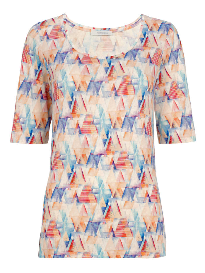 Half sleeve jersey top with an abstract print