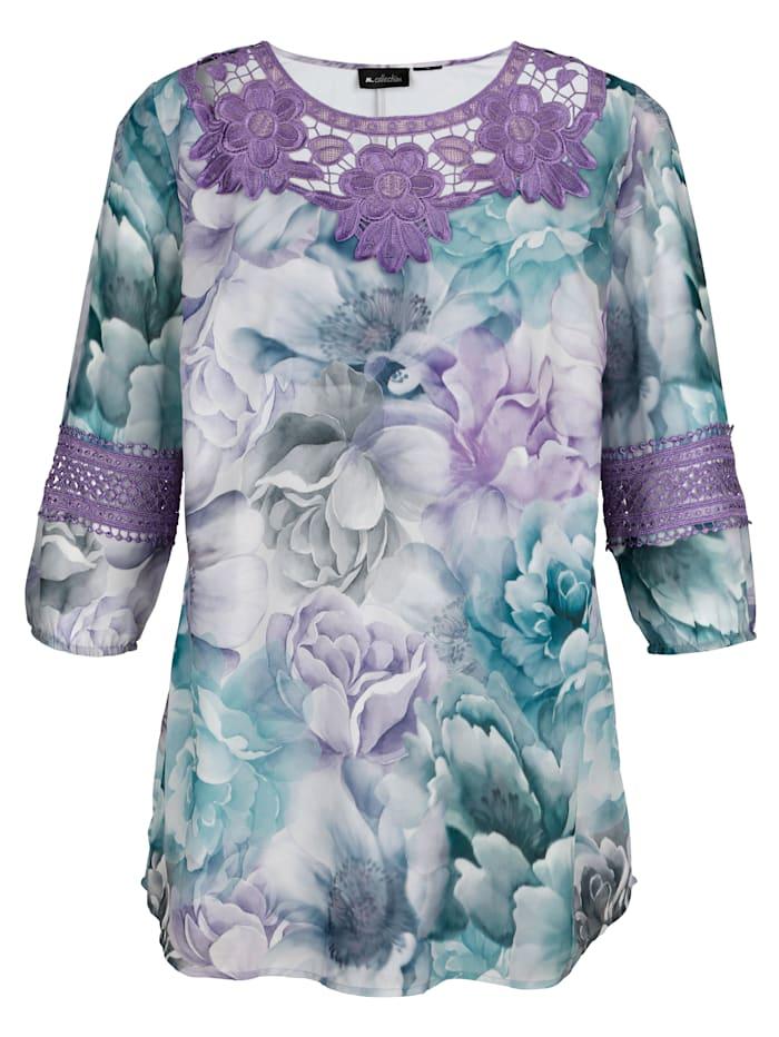 Bluse mit femininen Details