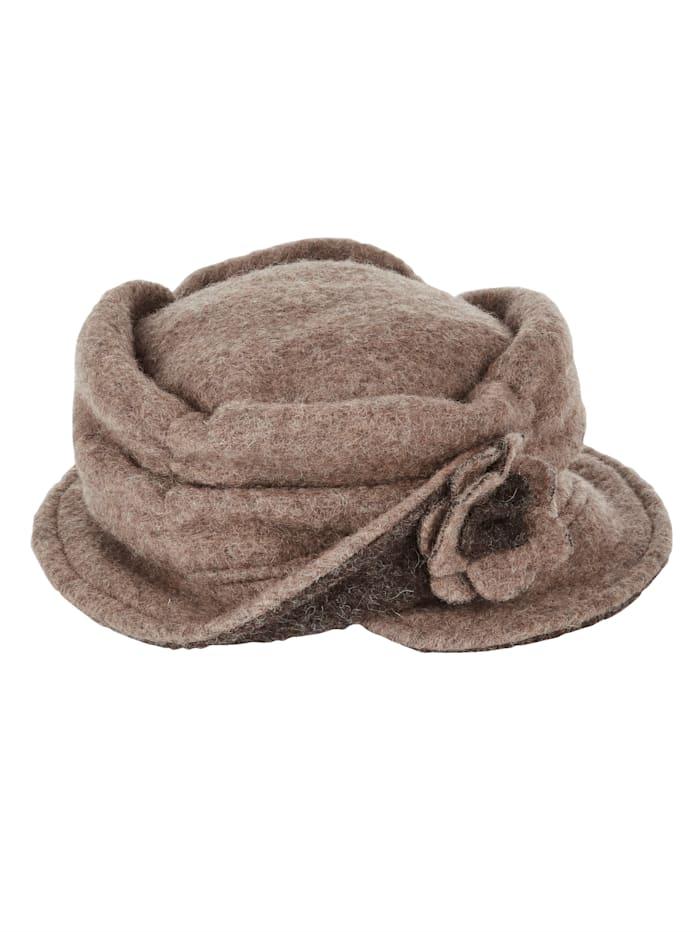 Hatt med värmande ull