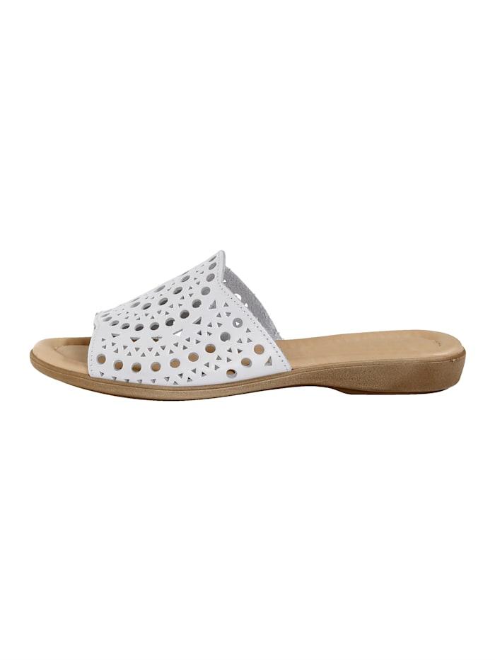 Nazouvací obuv s letním děrováním