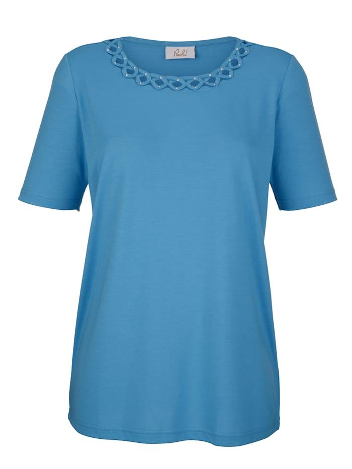 Shirt mit raffinierter Ausschnittlösung