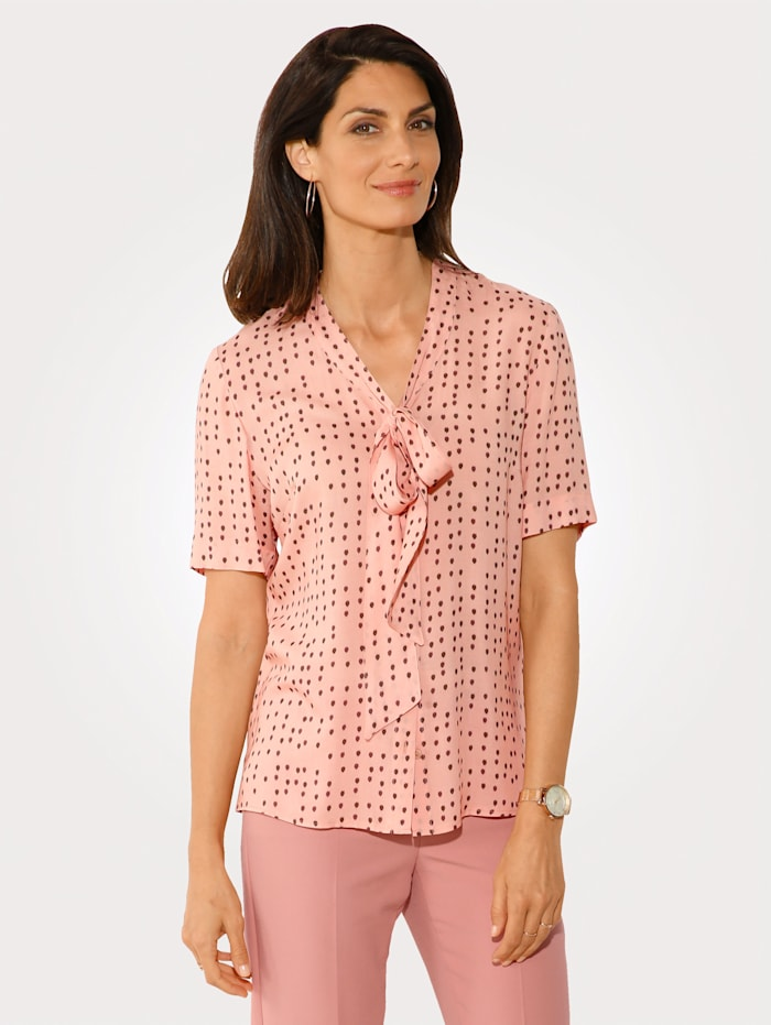 Blouse with a tie neck