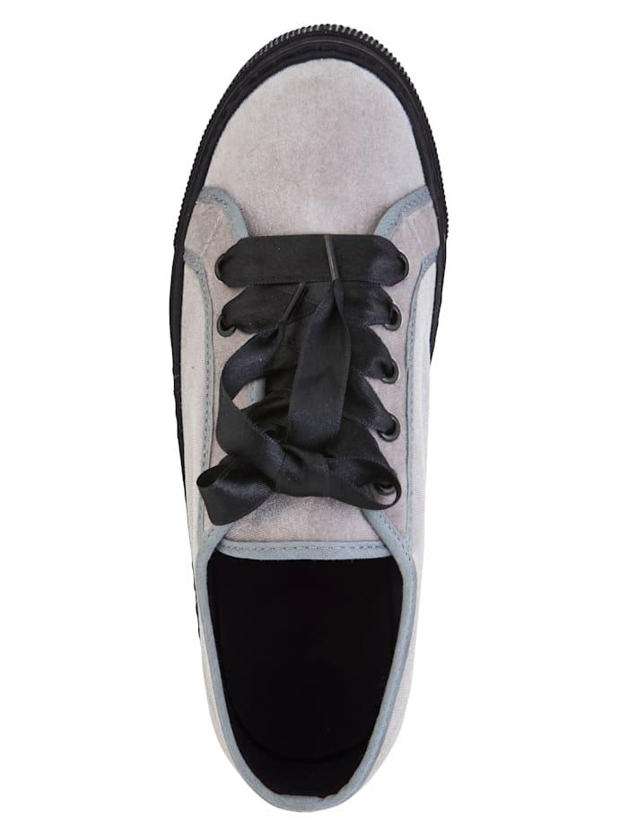 Sneaker van zacht fluweelmateriaal