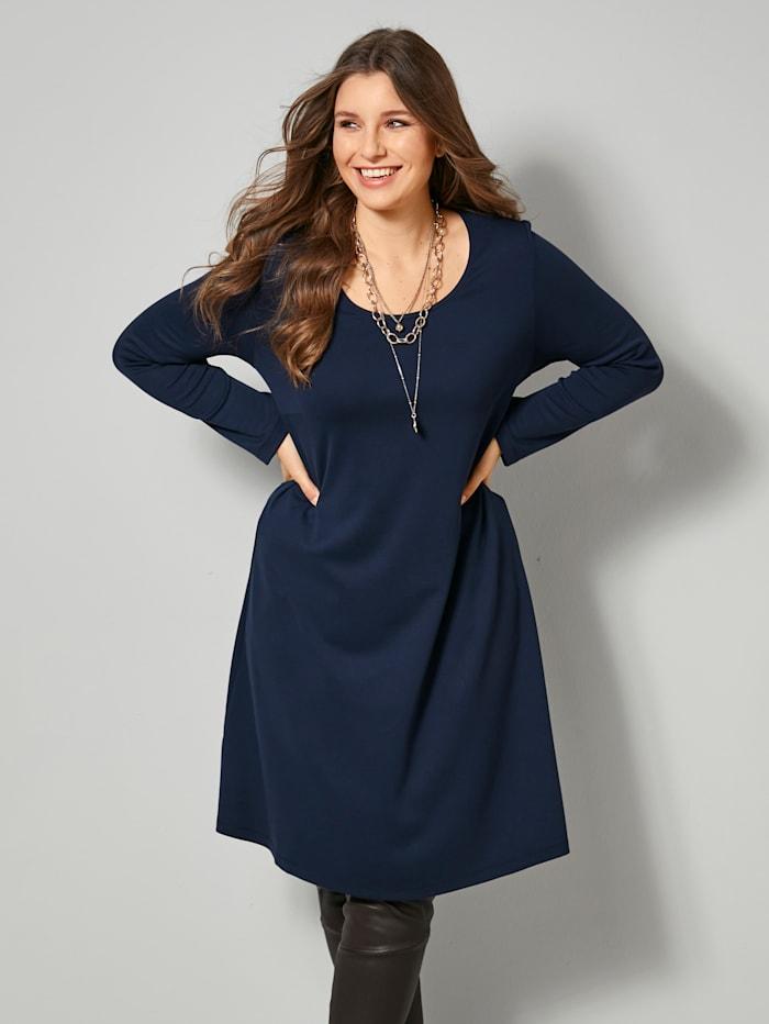 Jersey-Kleid in kaschierendem A-Shape