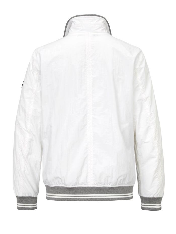 Raitaresorillinen takki
