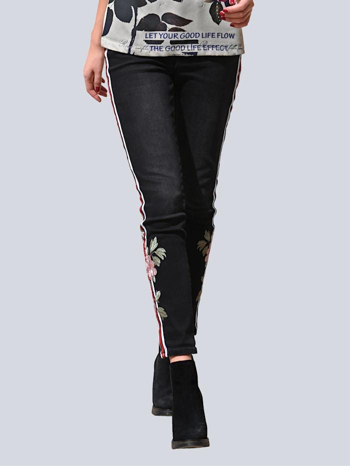 Jeans mit dekorativen Seitenstreifen