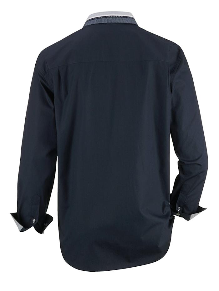 Chemise à jolie variante de col