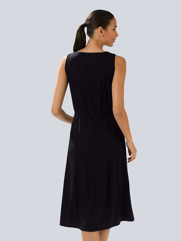 Kleid in eleganter Silhouette