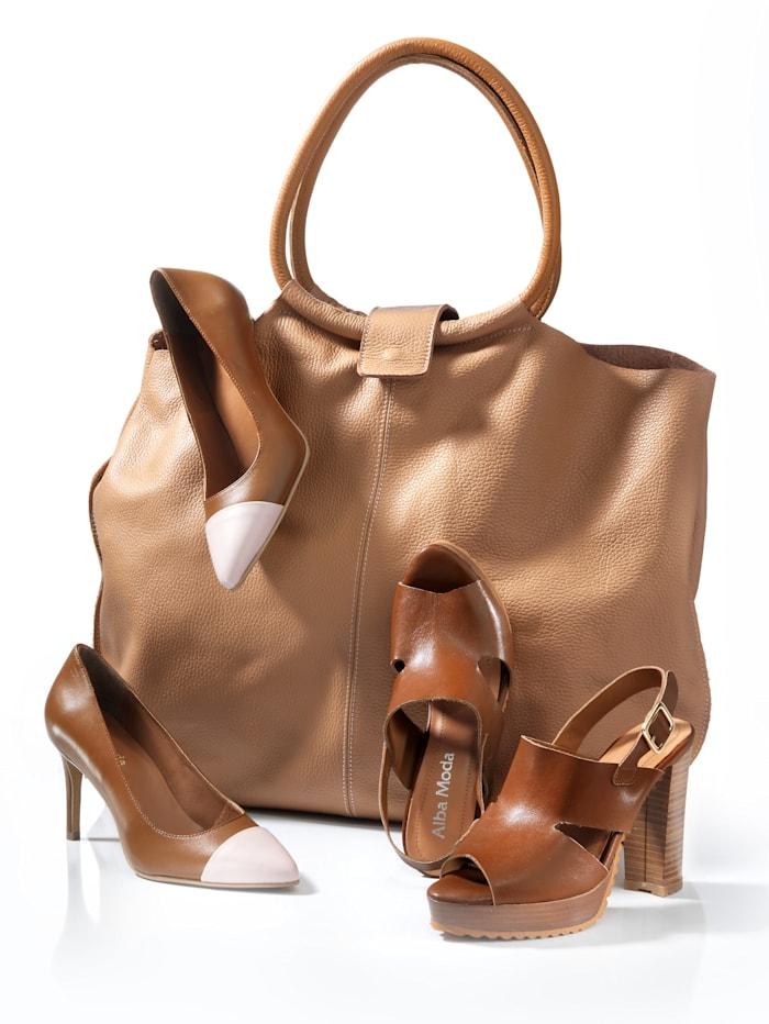 Tasche in großer geräumiger Form