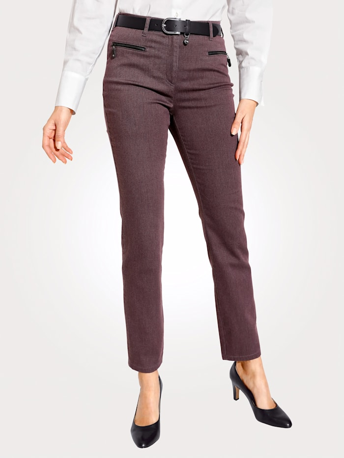 Relaxed by Toni Hose, Aubergine
