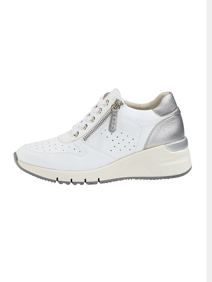Sneakers à jolies perforations estivales