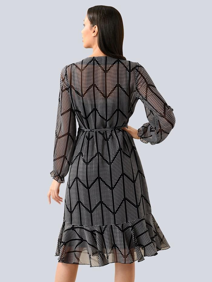 Kleid mit modischer Rüsche