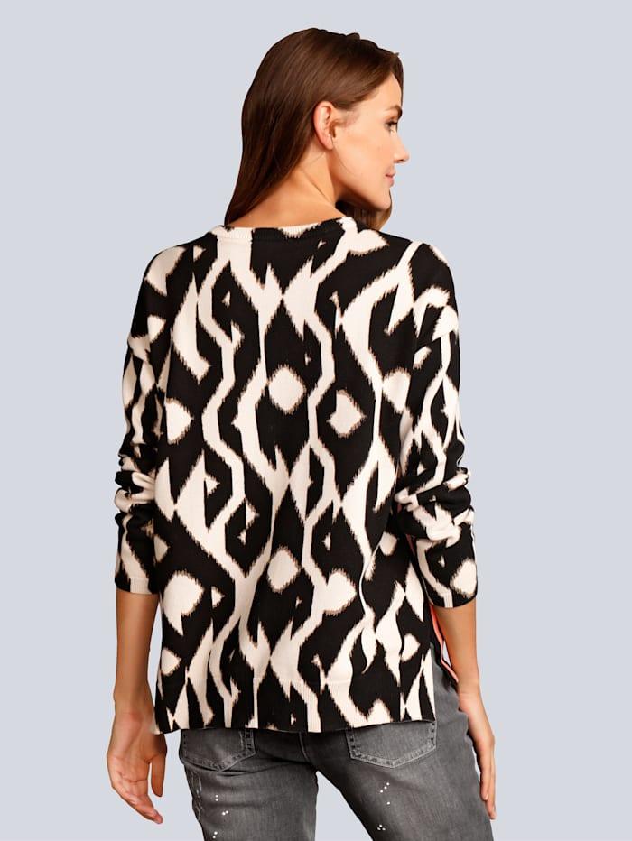 Pullover im grafischen Muster