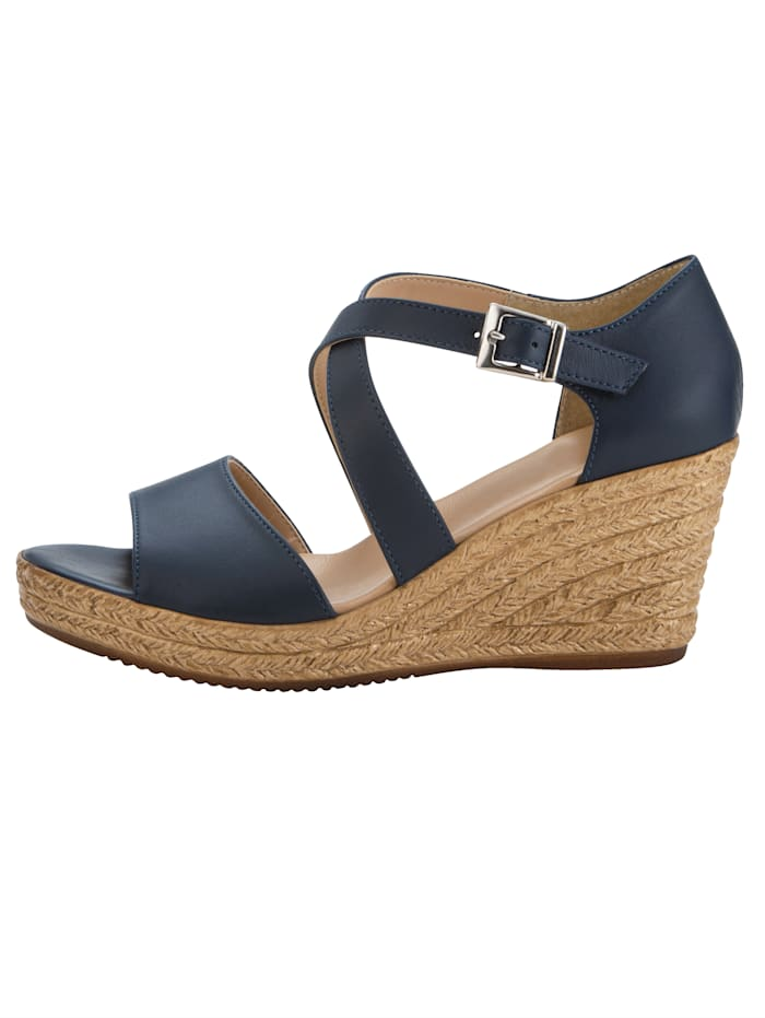 Wedge sandals with stylish strap detailing