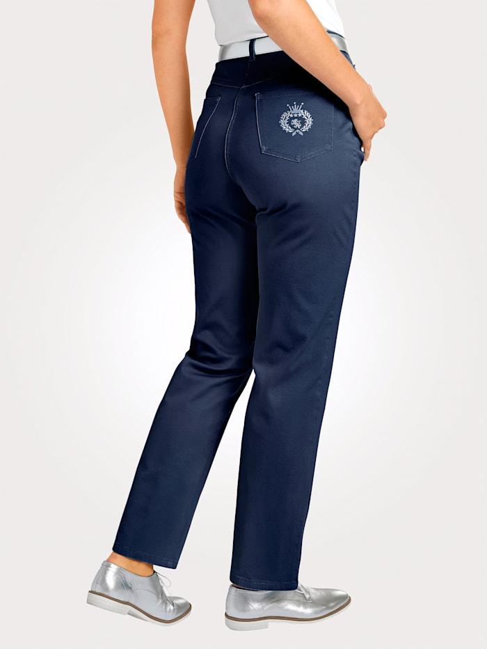 Jeans i normalstorlekar & kortstorlekar