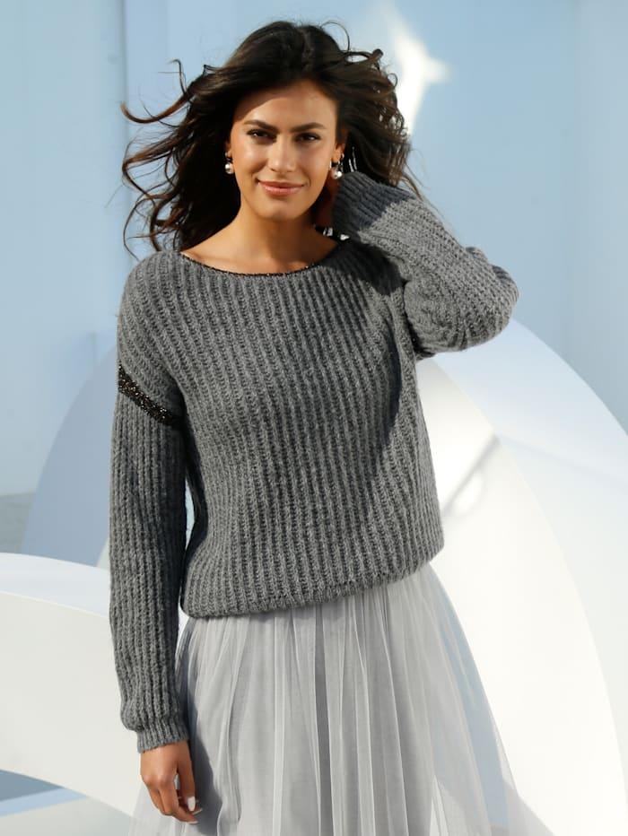 Pullover mit Glanzgarn-Verarbeitung