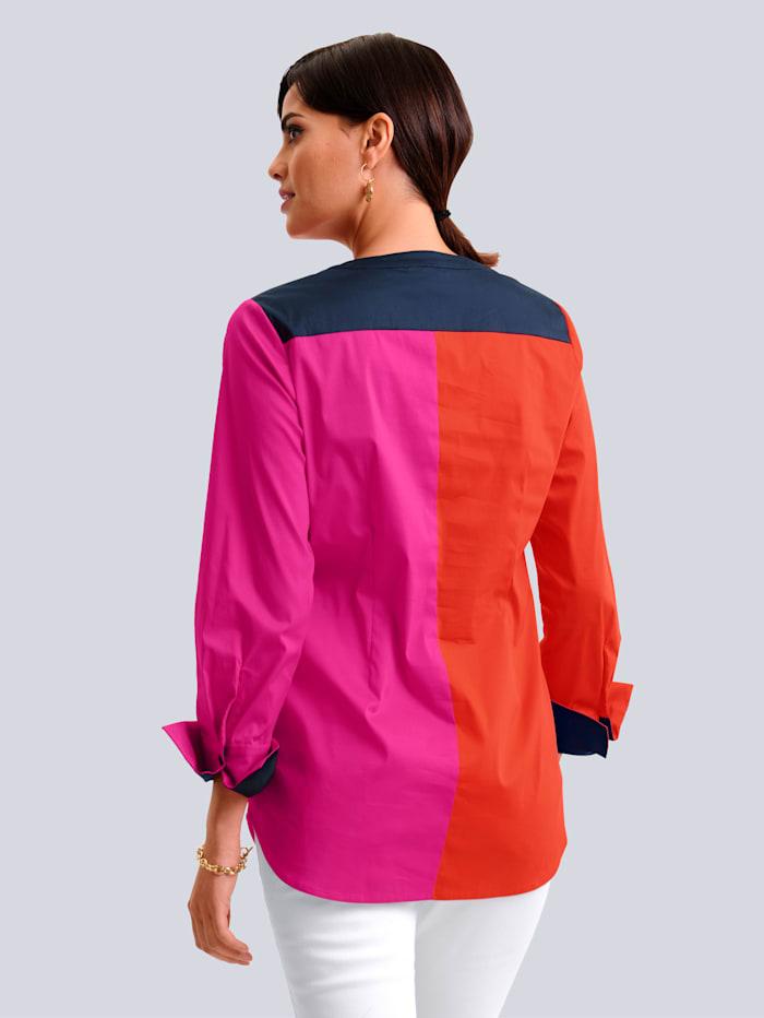 Bluse in modischem Colourblocking