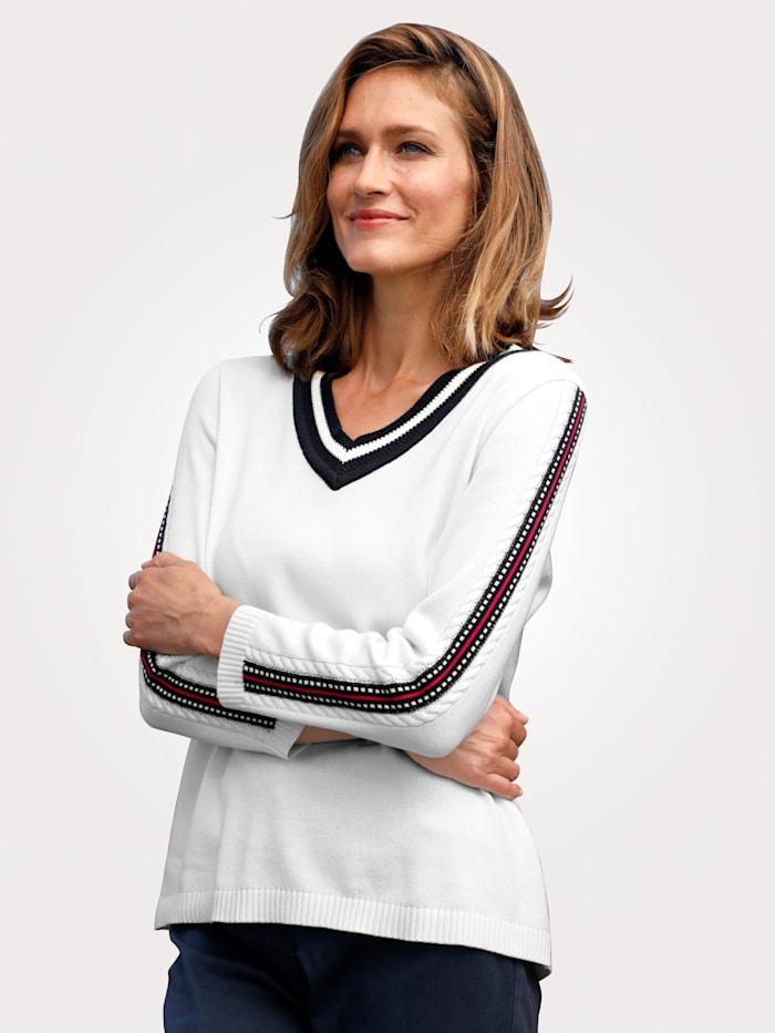 Pullover mit Zopfmuster am Ärmel