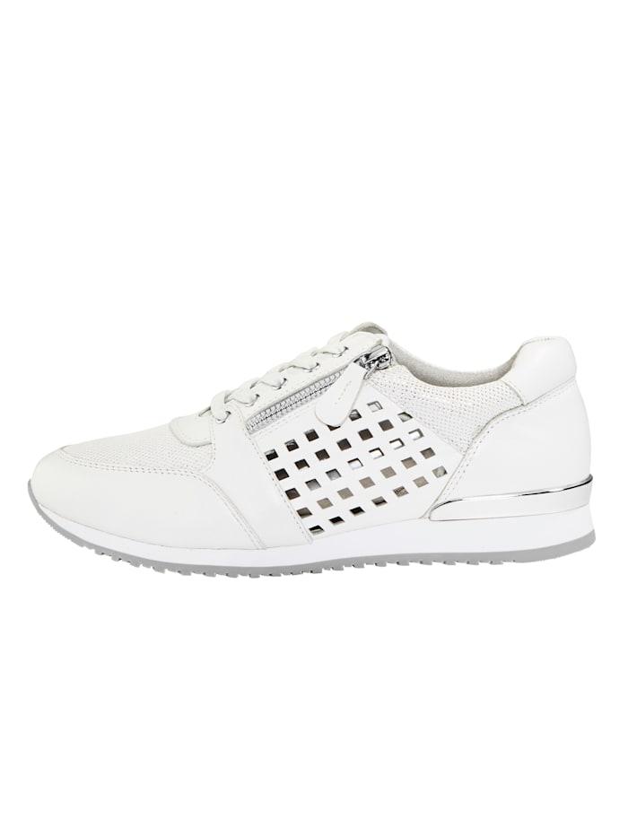 Sneaker mit sommerlichen Durchbrüchen