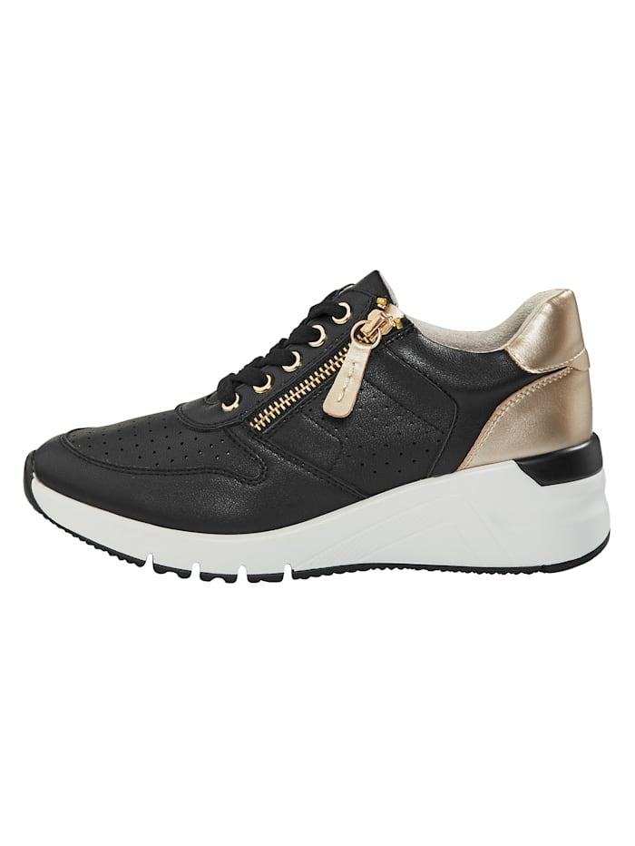 Sneaker mit sommerlicher Perforation