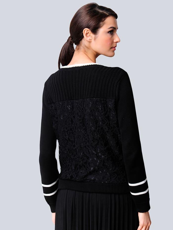 Pullover mit Blockstreifen im Vorderteil