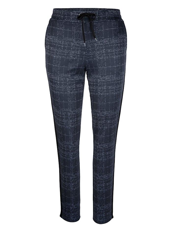 Kalhoty s kontrastními vlákny
