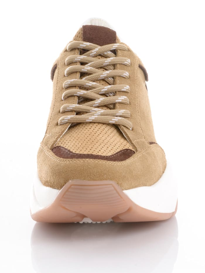 Sneaker in leichter Chunky-Form
