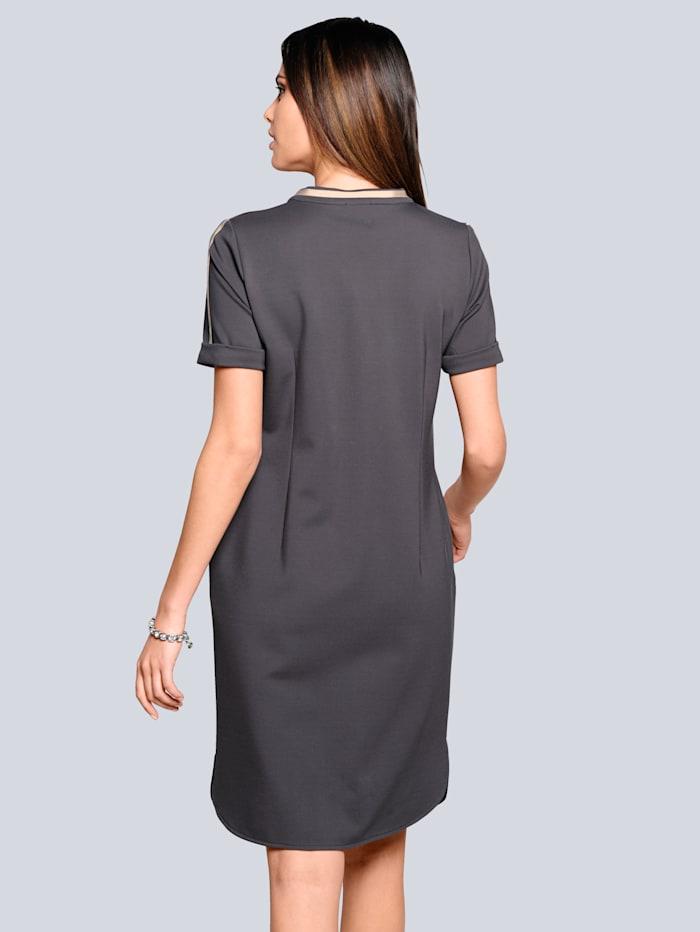 Kleid in äußerst trageangenehmer elastischer Qualität