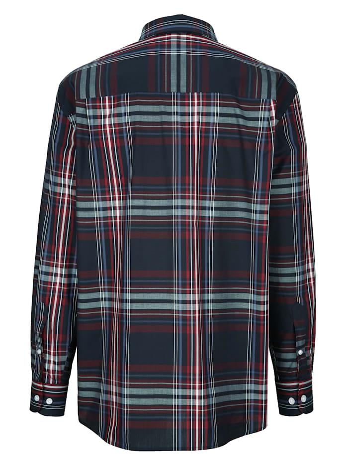 Skjorta i lättmatchat rutmönster