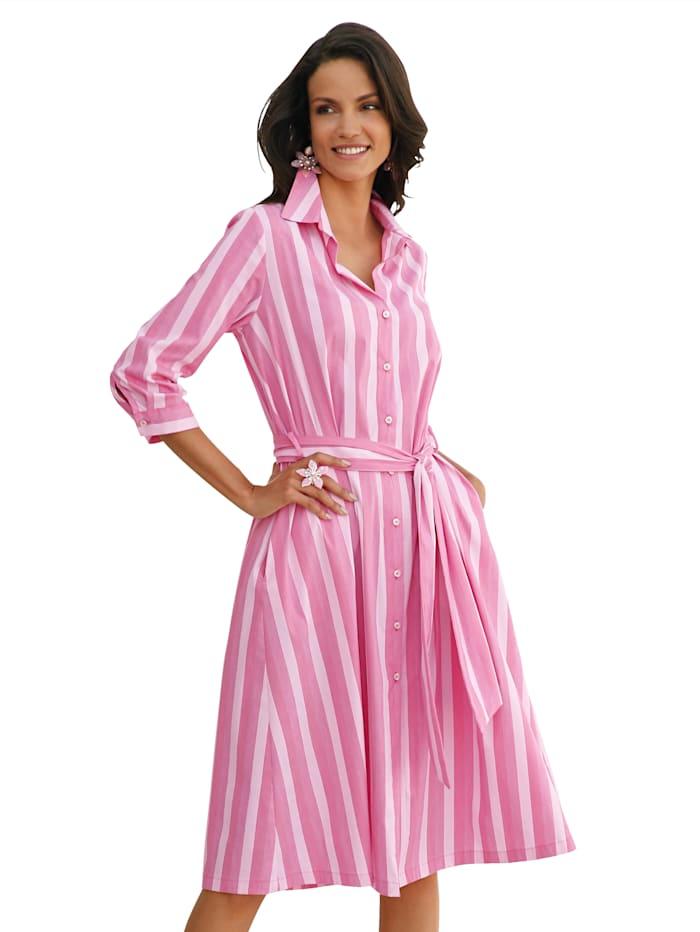 Randig klänning med knytband och knappar