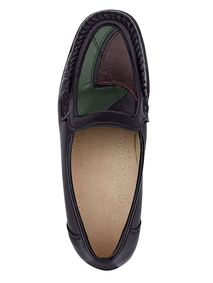 Slipper obuv s typickým mokasínovým šitím