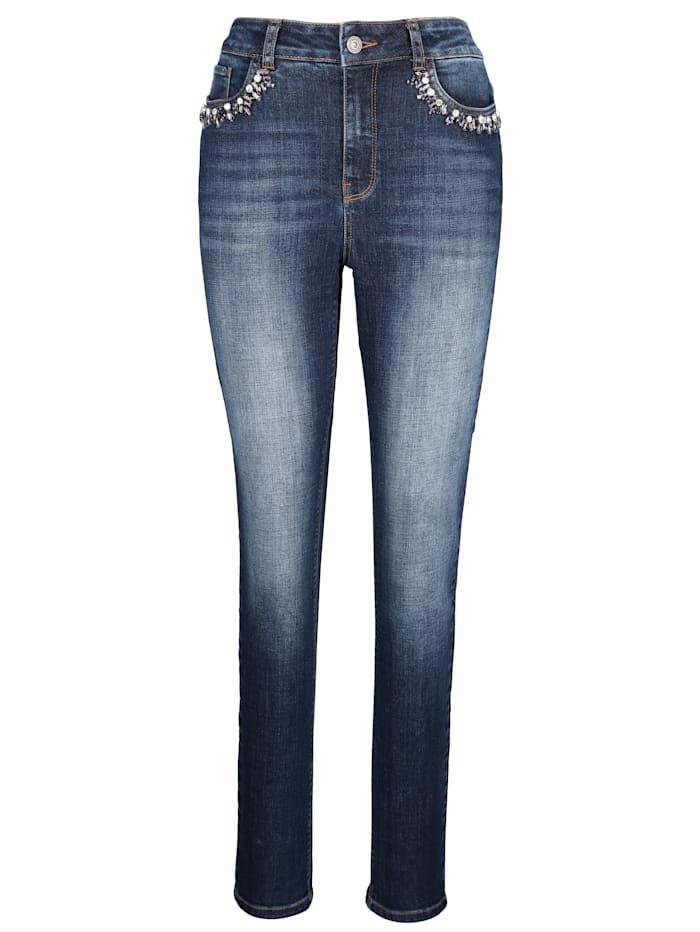 Jeans mit funkelnden Ziersteinen