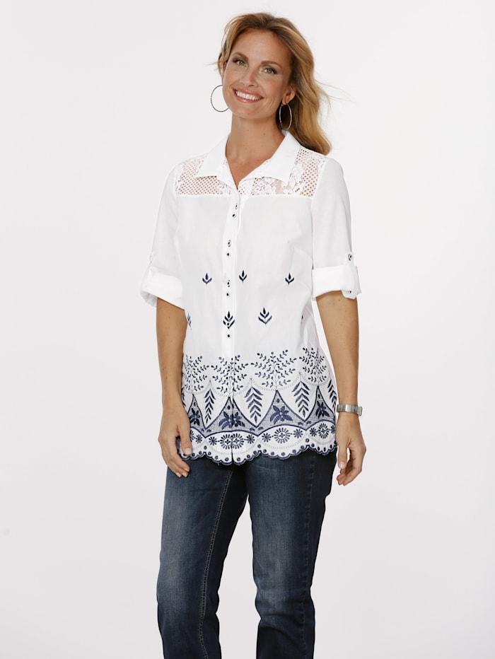 MONA Bluse mit kontrastfarbener Stickerei, Weiß/Blau